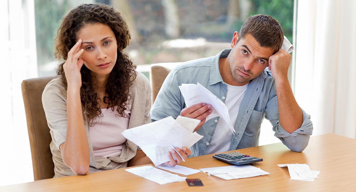 Poderosa oración para hacer peticiones económicas urgentes. Foto: Shutterstock