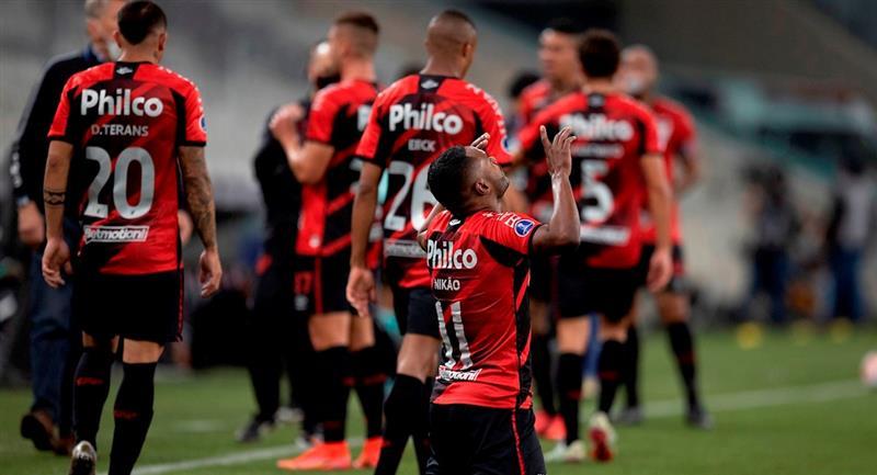 Paranaense superó a Peñarol y se clasificó a la final de la CONMEBOL Sudamericana