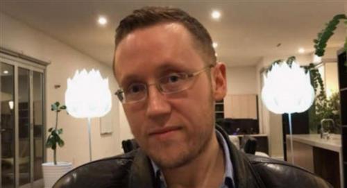 Hombre de 41 años creó página web para encontrar con quién perder su virginidad