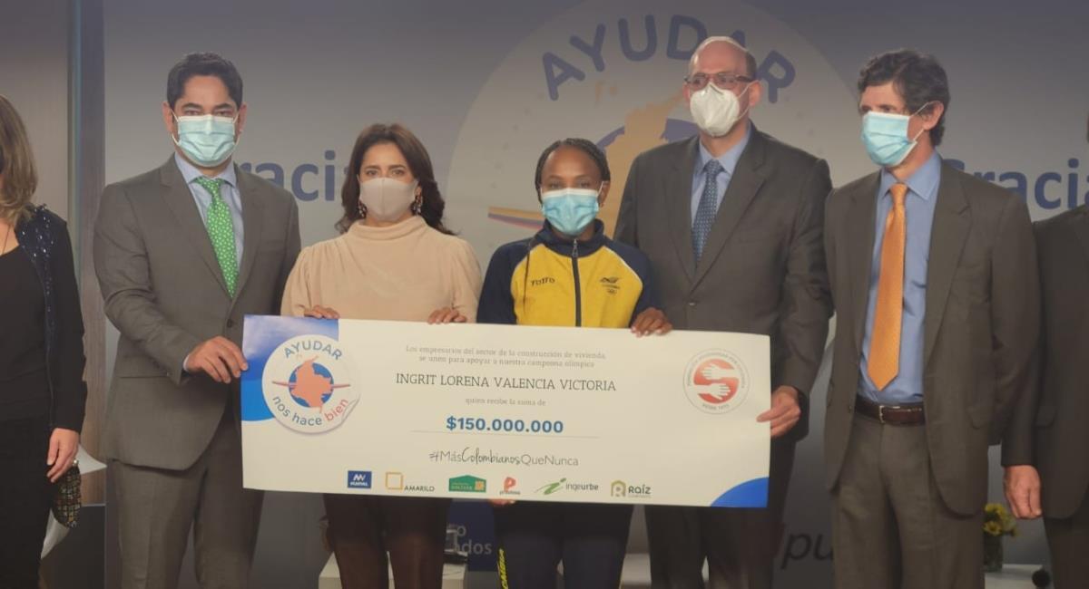Un total de 150 millones fueron entregados por el Gobierno a Ingrit Valencia. Foto: MinDeporte