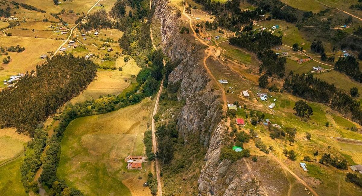 Las rocas de Suesca, son una opción extrema, muy cerca de Bogotá. Foto: Twitter @vimarovi