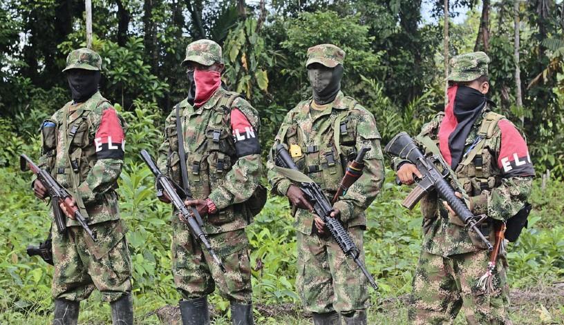 La guerrilla y los paramilitares se siguen tomando el país. Foto: Flickr.