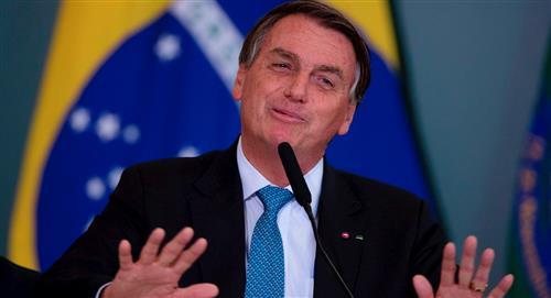 """Bolsonaro está """"aburrido"""" de preguntas sobre muertes en Brasil por COVID-19"""