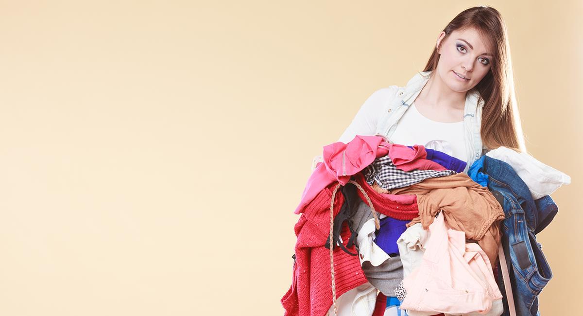Estos son 4 trucos para eliminar la energía negativa concentrada en tu ropa. Foto: Shutterstock