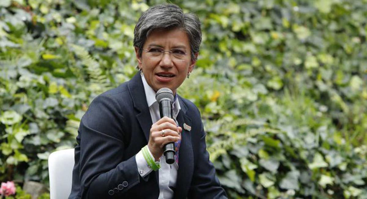 Claudia López es blanco de las críticas por su respuesta a una ciudadana en medio de socialización del POT. Foto: Twitter @heidy_up