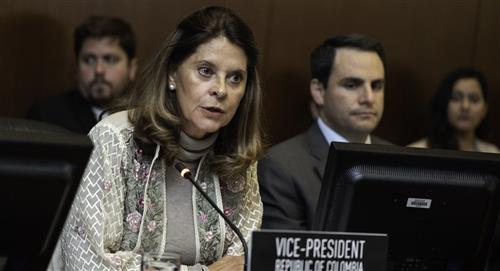 Colombianos insultan a Marta Lucía Ramírez en Nueva York
