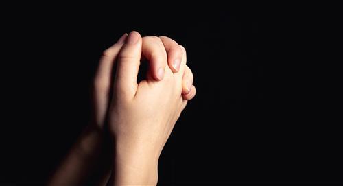 Reza por la familia, la salud o el amor con estas 3 oraciones