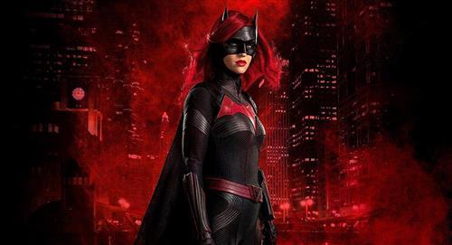 """Exprotagonista de """"Batwoman"""" reveló que sufría maltratos en la producción"""
