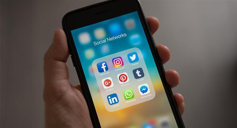 69% de los colombianos se informan a través de las redes sociales según estudio